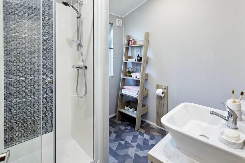 Mapleton Holiday Lodge Bathroom